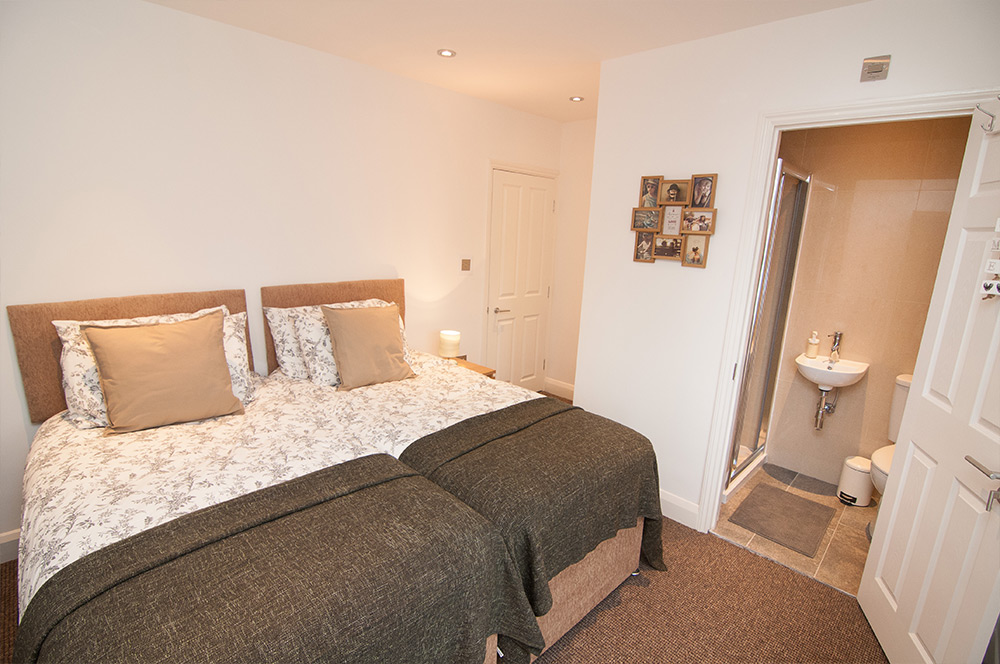 Doncaster Warren House - Double Bedroom + Bathroom
