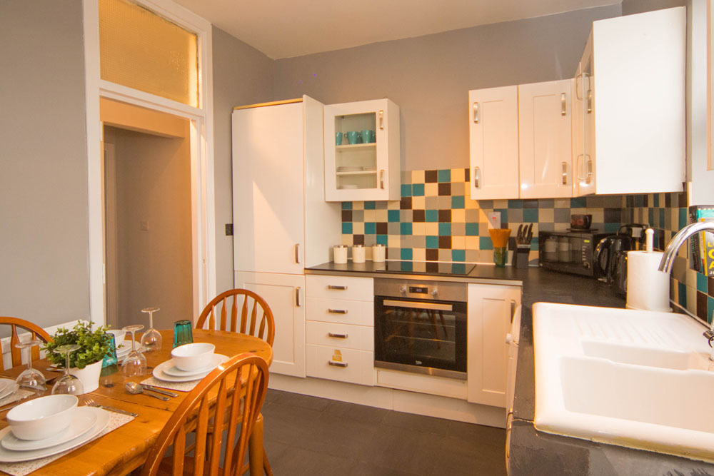 Limpenny House - 22 - Kitchen and dining area