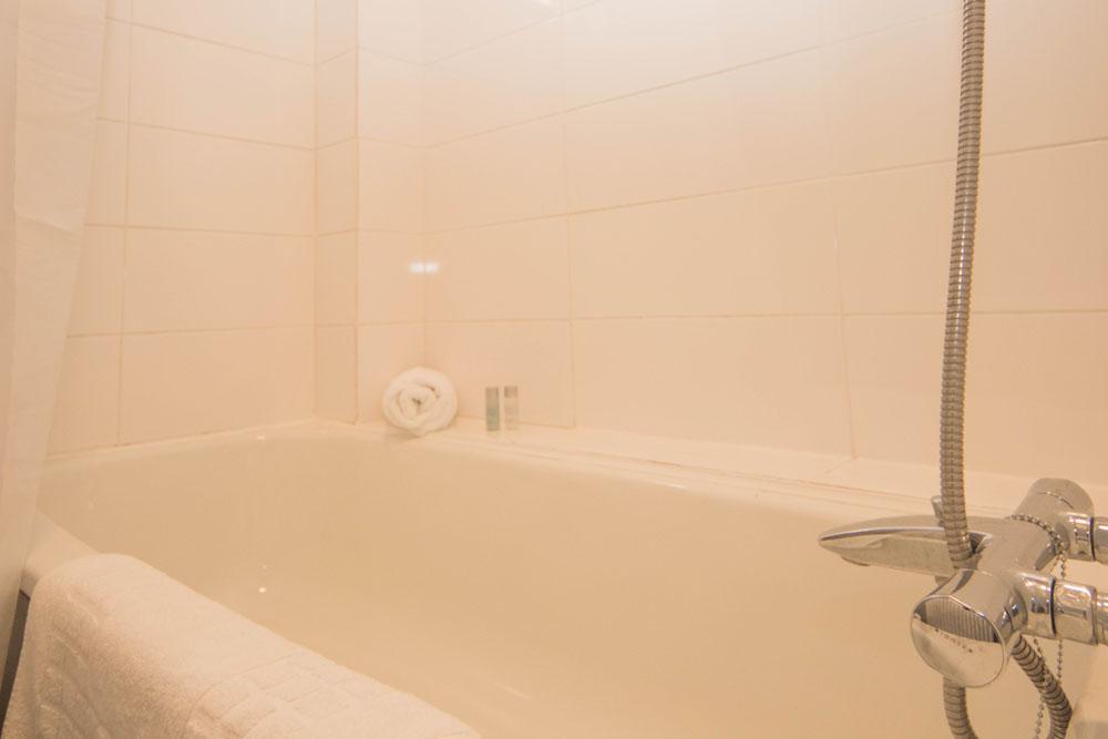 Limpenny House - 27 - Bathroom