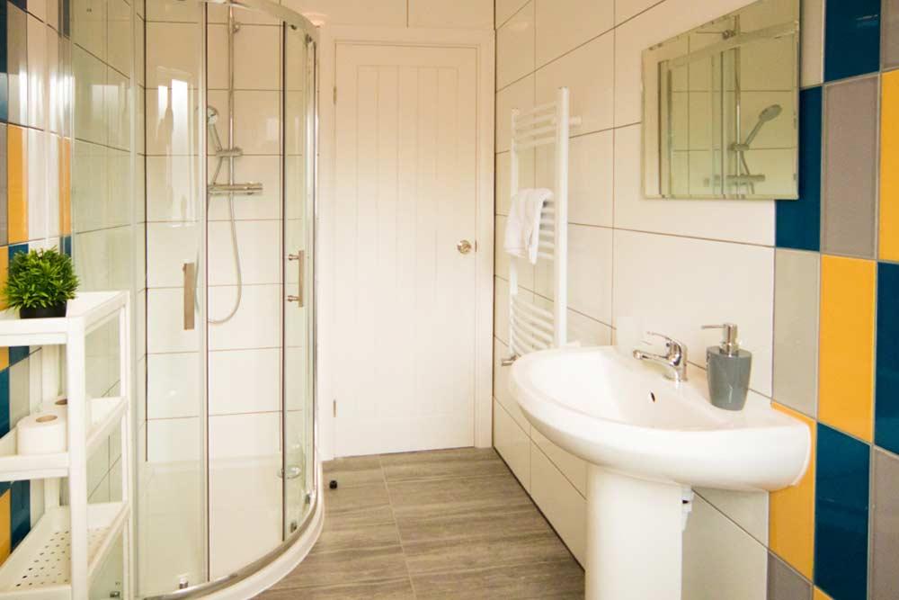 Nottingham Radford House - Bathroom 2