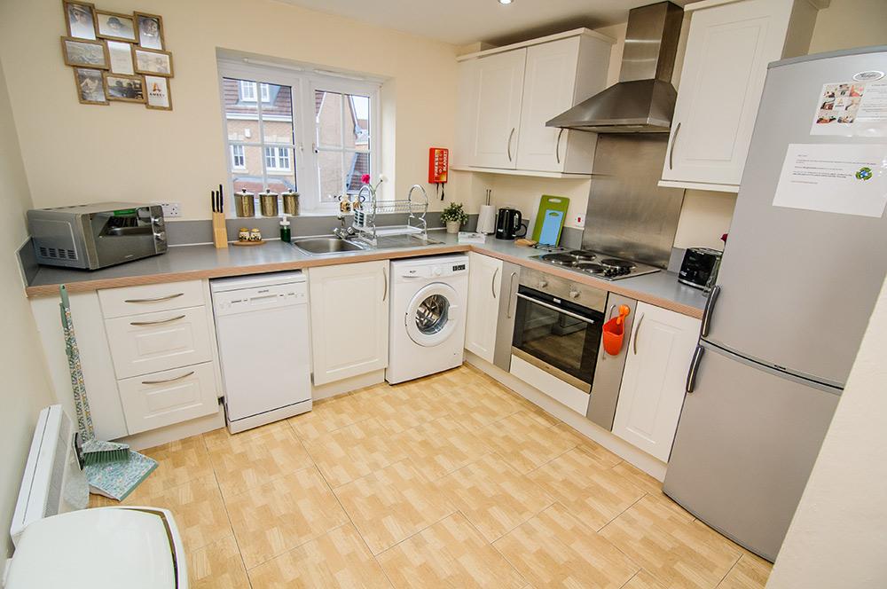Sargeson Apartment - Kitchen